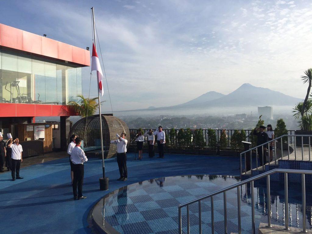 Indoluxe hotel hayati hari ulang tahun kemerdekaan ri ke for Dekor 17 agustus di hotel