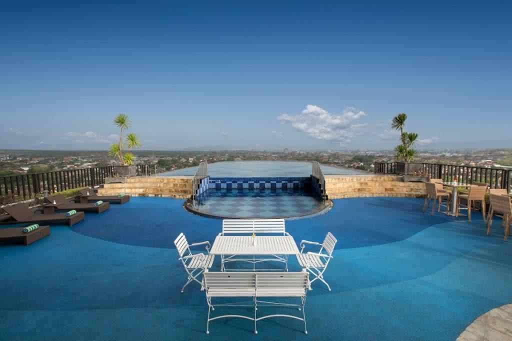 Nirvana Pool & Lounge Indoluxe Hotel (indoluxehotel.com)